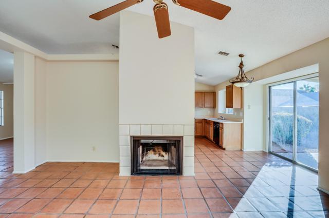 4205 E Briarwood Terrace, Phoenix, AZ 85048 (MLS #5858019) :: CANAM Realty Group