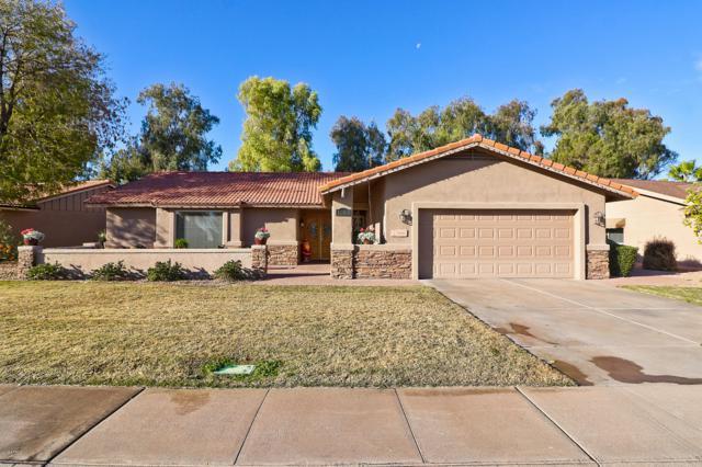 1253 N Leisure World, Mesa, AZ 85206 (MLS #5860843) :: CC & Co. Real Estate Team