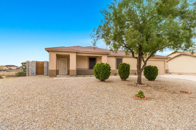 11923 W Carousel Drive, Arizona City, AZ 85123 (MLS #5862526) :: Brett Tanner Home Selling Team