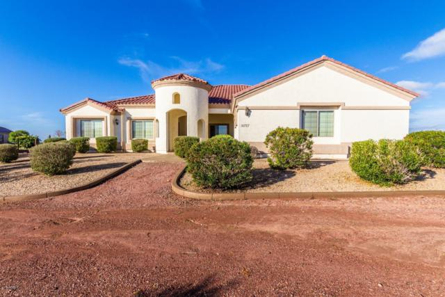 16727 W Rancho Laredo Drive, Surprise, AZ 85387 (MLS #5869071) :: Kortright Group - West USA Realty