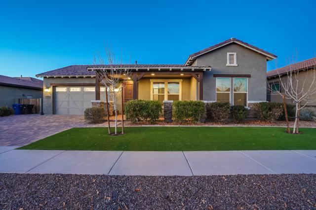 7506 E Posada Avenue, Mesa, AZ 85212 (MLS #5869297) :: Brett Tanner Home Selling Team