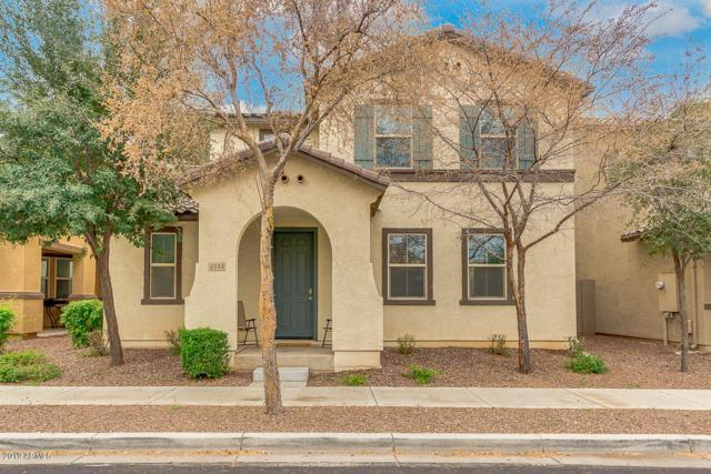 4143 E Devon Drive, Gilbert, AZ 85296 (MLS #5869309) :: Brett Tanner Home Selling Team