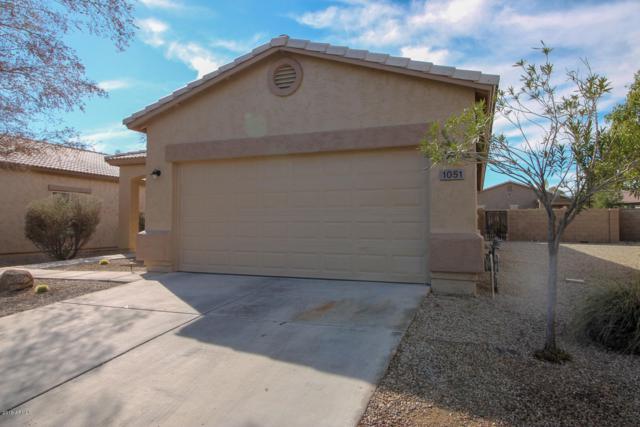 1051 E Country Crossing Way, San Tan Valley, AZ 85143 (MLS #5870693) :: The Daniel Montez Real Estate Group