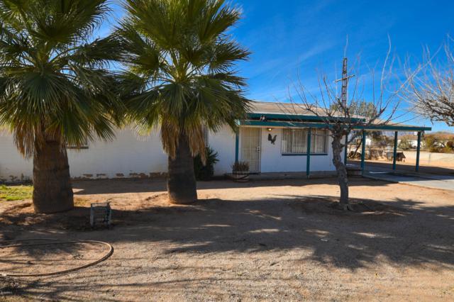 50027 N Eagle Street, Aguila, AZ 85320 (MLS #5871390) :: The W Group