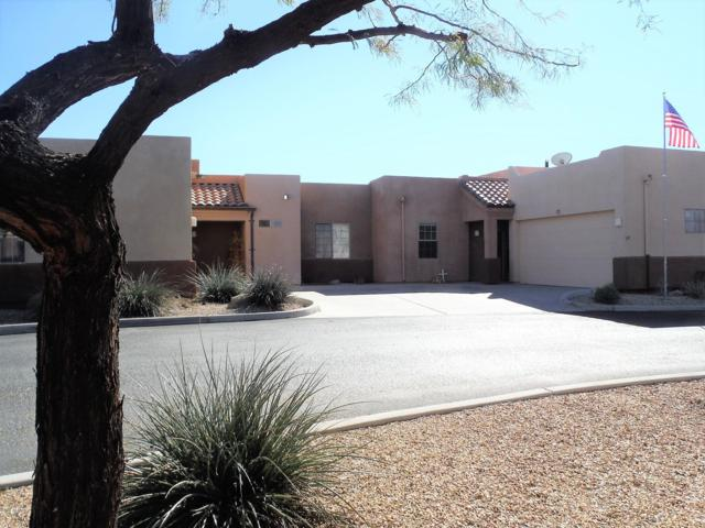 17 Northridge Circle, Wickenburg, AZ 85390 (MLS #5872008) :: The Wehner Group