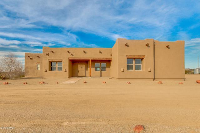 42704 N Castle Hot Springs Road, Morristown, AZ 85342 (MLS #5874993) :: Lucido Agency