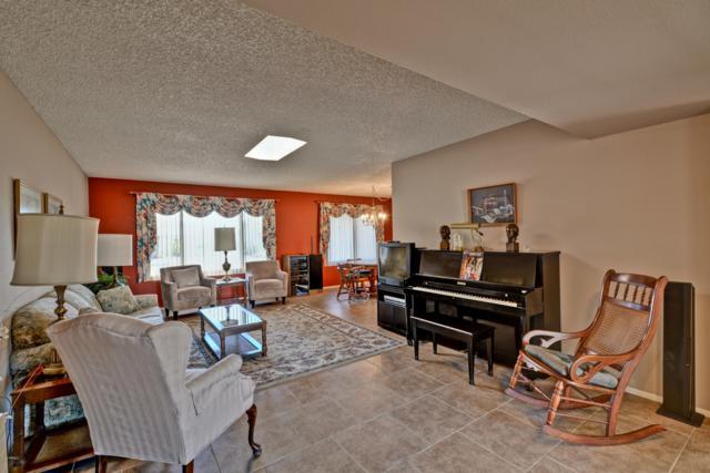 15805 N Nicklaus Lane, Sun City, AZ 85351 (MLS #5875421) :: Yost Realty Group at RE/MAX Casa Grande