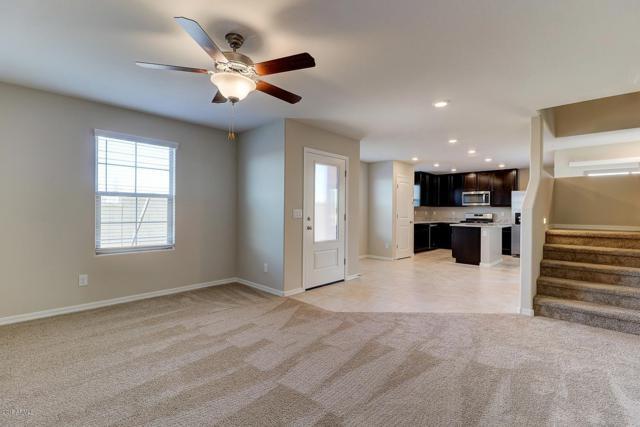 8247 W Illini Street, Phoenix, AZ 85043 (MLS #5876936) :: CC & Co. Real Estate Team