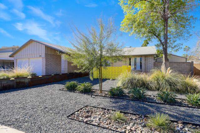 2114 E La Donna Drive, Tempe, AZ 85283 (MLS #5881629) :: The W Group