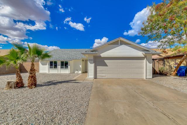 8026 W Mackenzie Drive, Phoenix, AZ 85033 (MLS #5884950) :: Door Number 2
