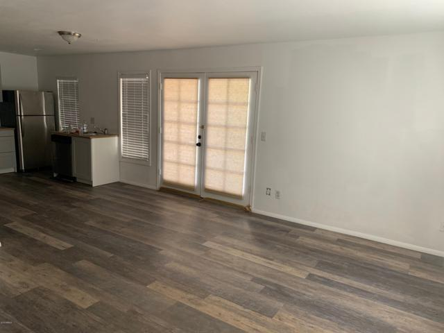 1432 W Emerald Avenue #8, Mesa, AZ 85202 (MLS #5887337) :: Homehelper Consultants