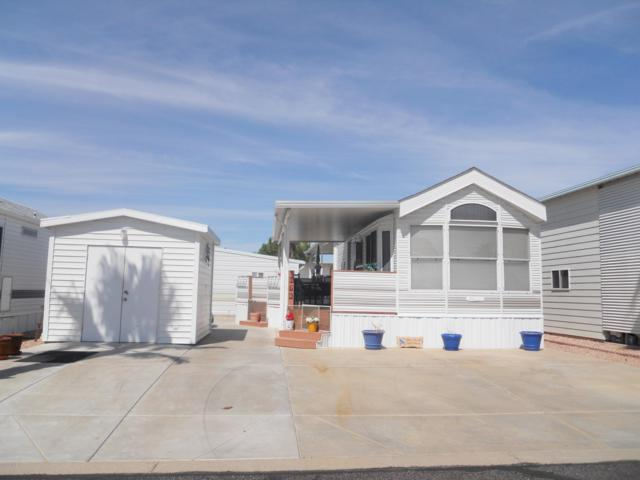 17200 W Bell Road, Surprise, AZ 85374 (MLS #5887438) :: Kortright Group - West USA Realty
