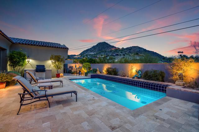 6715 N 39TH Way, Paradise Valley, AZ 85253 (MLS #5887624) :: Yost Realty Group at RE/MAX Casa Grande
