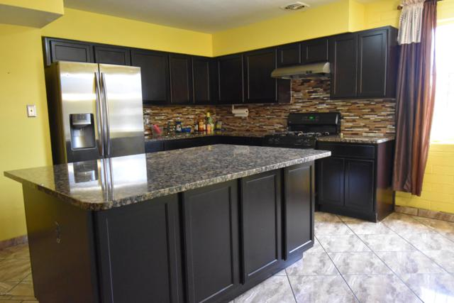 5821 N 63RD Drive, Glendale, AZ 85301 (MLS #5891460) :: Yost Realty Group at RE/MAX Casa Grande