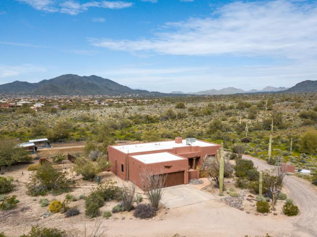 136 E Ridgecrest Road, Phoenix, AZ 85086 (MLS #5892687) :: Conway Real Estate
