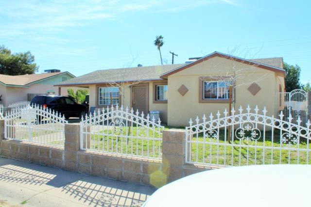 8217 W Clarendon Avenue, Phoenix, AZ 85033 (MLS #5896629) :: Yost Realty Group at RE/MAX Casa Grande