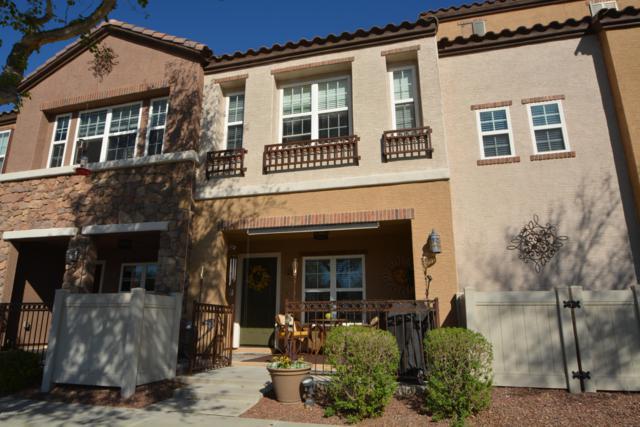 2670 S Voyager Drive #112, Gilbert, AZ 85295 (MLS #5898178) :: The Wehner Group