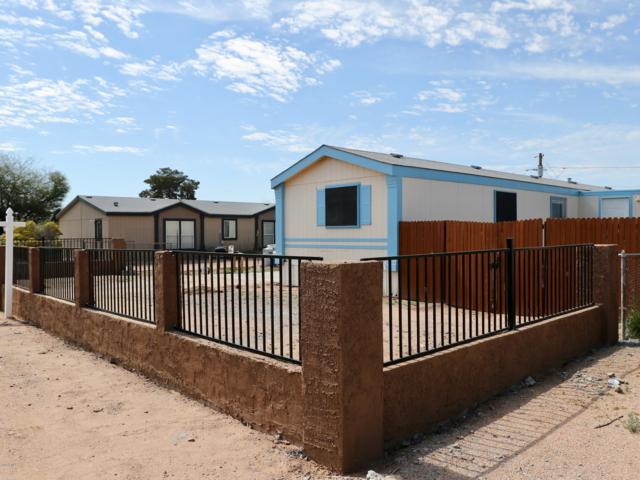 880 S Lawson Drive, Apache Junction, AZ 85120 (MLS #5898402) :: Yost Realty Group at RE/MAX Casa Grande