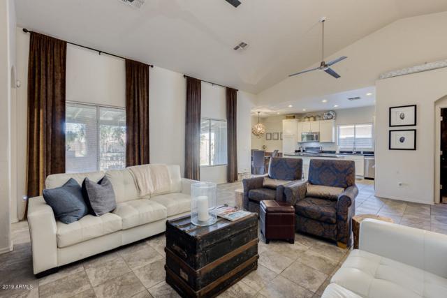 7408 S 15TH Lane, Phoenix, AZ 85041 (MLS #5898599) :: The Everest Team at My Home Group
