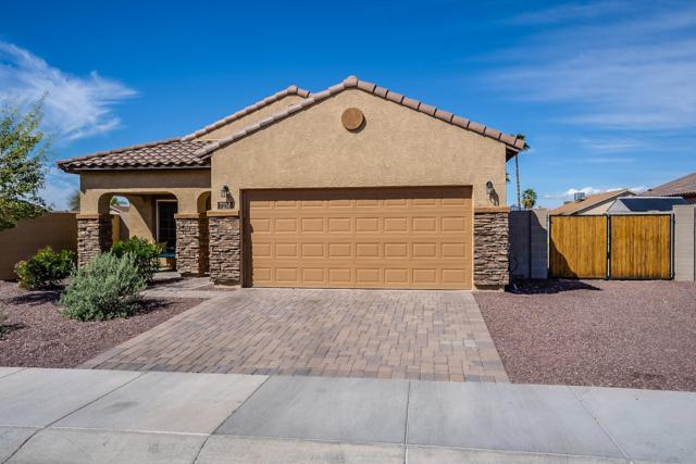 7236 N 77TH Drive, Glendale, AZ 85303 (MLS #5900491) :: Brett Tanner Home Selling Team