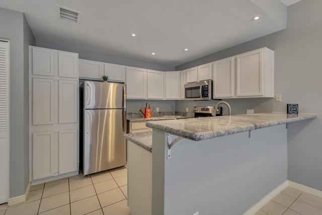 2201 N Comanche Drive #1046, Chandler, AZ 85224 (MLS #5907349) :: Yost Realty Group at RE/MAX Casa Grande