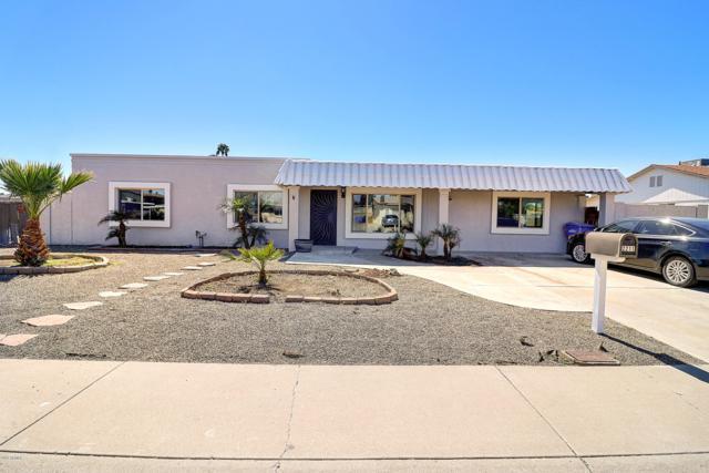 2211 W Michigan Avenue, Phoenix, AZ 85023 (MLS #5909547) :: Devor Real Estate Associates