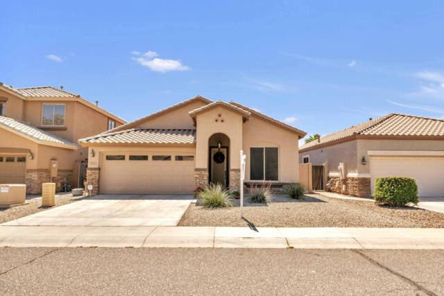 2913 W Silver Fox Way, Phoenix, AZ 85045 (MLS #5909835) :: Yost Realty Group at RE/MAX Casa Grande