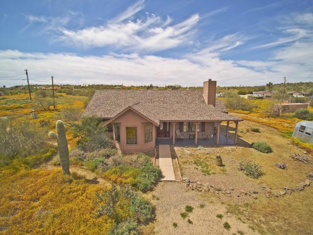 1116 W Lazy K Ranch Road, New River, AZ 85087 (MLS #5910019) :: Yost Realty Group at RE/MAX Casa Grande