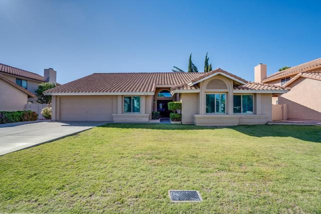1134 E Todd Drive, Tempe, AZ 85283 (MLS #5914287) :: Lifestyle Partners Team