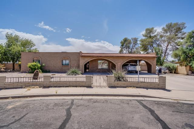 825 W Hopi Drive, Coolidge, AZ 85128 (MLS #5915896) :: Yost Realty Group at RE/MAX Casa Grande