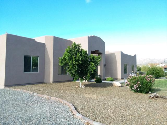 19475 E Hanfelt Way, Black Canyon City, AZ 85324 (MLS #5916236) :: Riddle Realty Group - Keller Williams Arizona Realty