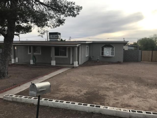130 S Saguaro Drive, Apache Junction, AZ 85120 (MLS #5923981) :: Devor Real Estate Associates