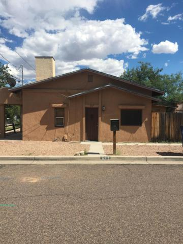 687 W Navajo Street, Wickenburg, AZ 85390 (MLS #5925546) :: Yost Realty Group at RE/MAX Casa Grande