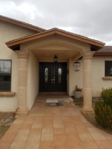 2400 E 8TH Street, Douglas, AZ 85607 (MLS #5925596) :: Openshaw Real Estate Group in partnership with The Jesse Herfel Real Estate Group