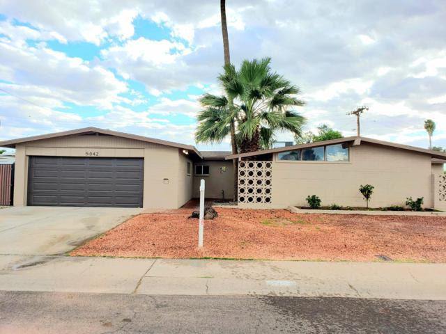 5042 N 65TH Avenue, Glendale, AZ 85301 (MLS #5926178) :: Brett Tanner Home Selling Team