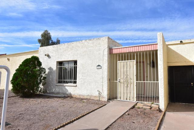 2301 W Vineyard Road, Tempe, AZ 85282 (MLS #5927705) :: Arizona 1 Real Estate Team