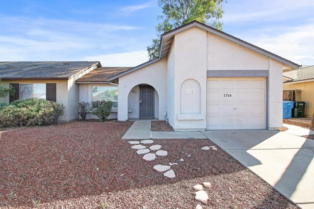 1738 E Sandra Terrace, Phoenix, AZ 85022 (MLS #5927816) :: CC & Co. Real Estate Team
