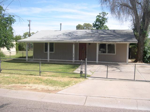 2547 W Augusta Avenue W, Phoenix, AZ 85051 (MLS #5928105) :: CC & Co. Real Estate Team