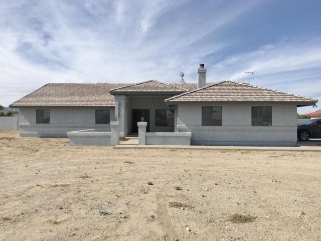 22318 W Hilton Avenue, Buckeye, AZ 85326 (MLS #5928341) :: CC & Co. Real Estate Team