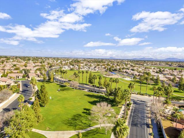 337 W Oxford Lane, Gilbert, AZ 85233 (MLS #5929236) :: Brett Tanner Home Selling Team