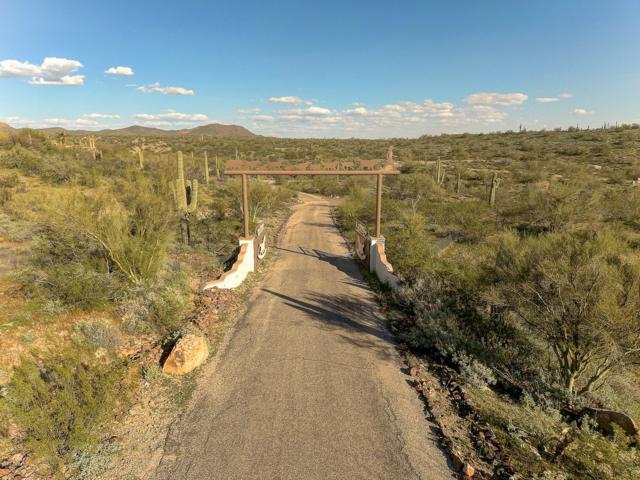 28331 W Rocking Horse Lane, Morristown, AZ 85342 (MLS #5935616) :: Arizona 1 Real Estate Team