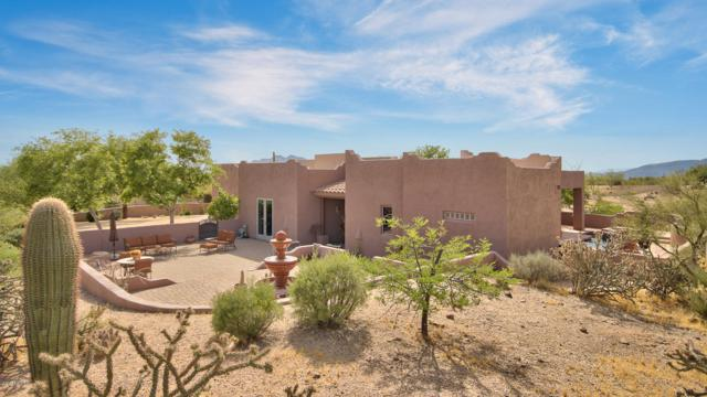 9035 E Cave Creek Road, Carefree, AZ 85377 (MLS #5936562) :: Lux Home Group at  Keller Williams Realty Phoenix