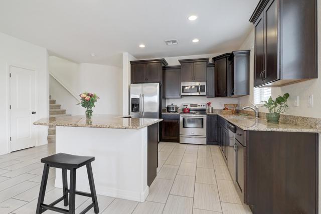 2817 E Sunset Hills Drive, Phoenix, AZ 85050 (MLS #5939685) :: Yost Realty Group at RE/MAX Casa Grande