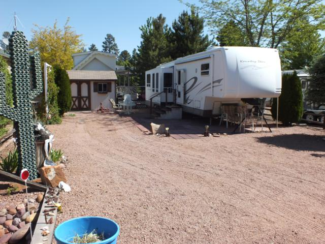 2234 Wrangler Way, Overgaard, AZ 85933 (MLS #5939975) :: Riddle Realty Group - Keller Williams Arizona Realty