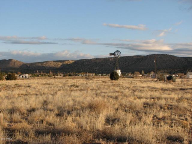 400 W Ahonen Road, Paulden, AZ 86334 (MLS #5941066) :: The Bill and Cindy Flowers Team