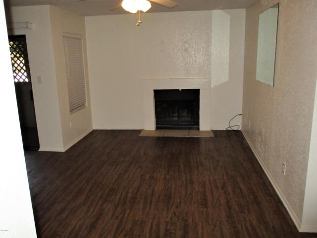 1101 S Sycamore #122, Mesa, AZ 85202 (MLS #5941116) :: Brett Tanner Home Selling Team