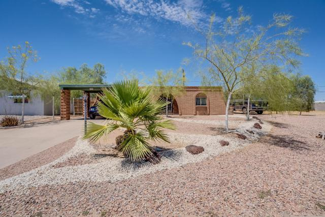9308 W Madero Drive, Arizona City, AZ 85123 (MLS #5941737) :: The Laughton Team