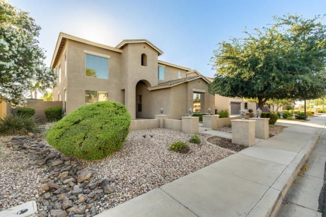 7122 S Champagne Way, Gilbert, AZ 85298 (MLS #5941871) :: The Daniel Montez Real Estate Group