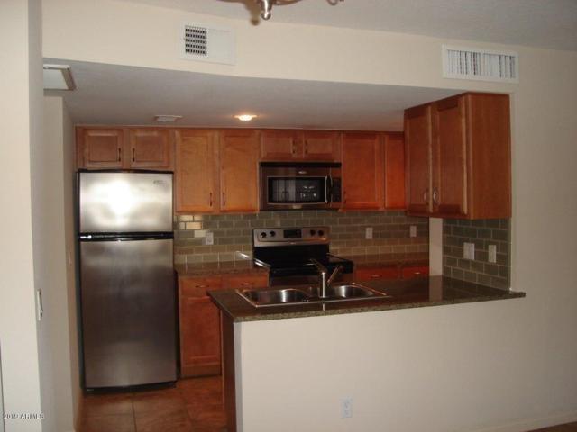 200 E Southern Avenue #206, Tempe, AZ 85282 (MLS #5941953) :: The Daniel Montez Real Estate Group