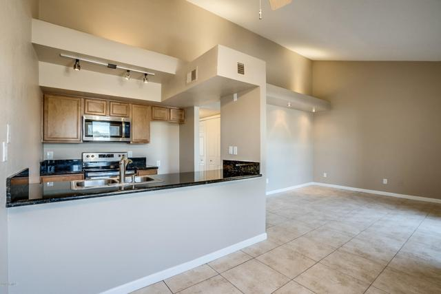 1241 N 48TH Street #215, Phoenix, AZ 85008 (MLS #5943421) :: Arizona Home Group